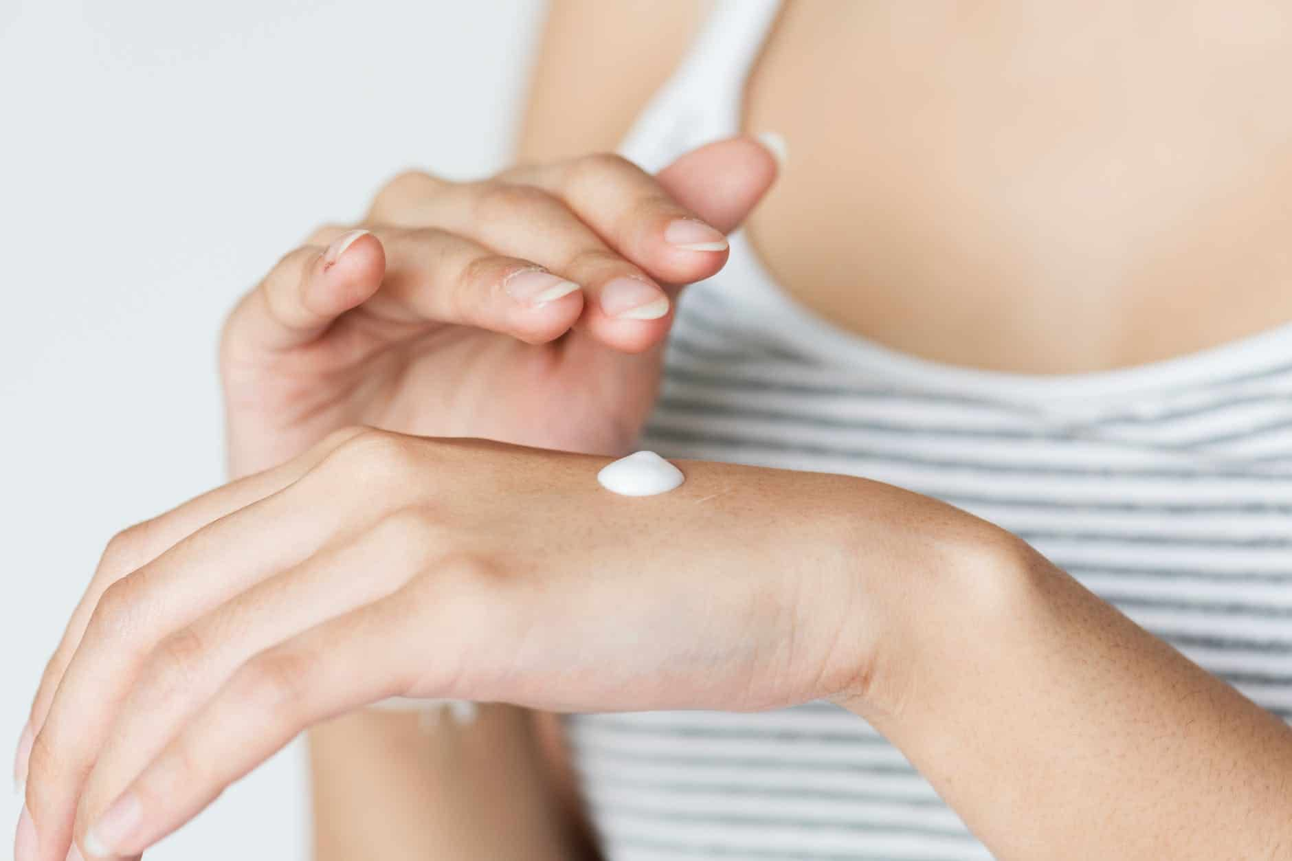 Night Cream For Glowing Skin: A Solution To All Your Skin Problems